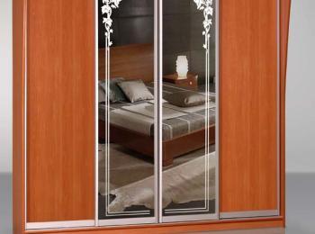 Шкаф-купе 020 с рисунком на зеркале из 4-х створок