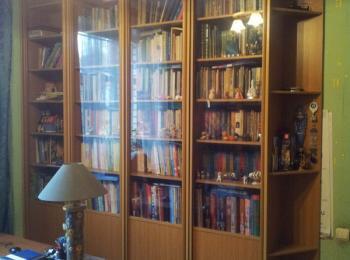 Книжный шкаф 014 на четыре отделения.