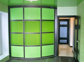 Радиусный шкаф-купе 005 зеленый