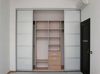 Встроенный шкаф купе 012 на четыре створки