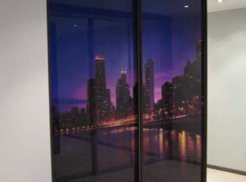 Встроенный шкаф купе 005 из двух створок с фотопечатью вида Манхеттена