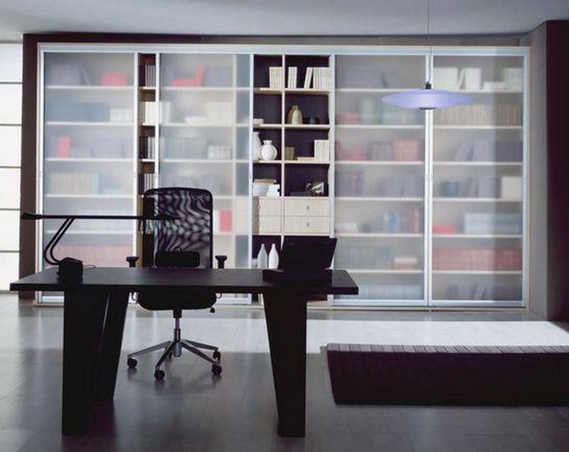 Книжный шкаф 002 с матовым стеклом korolev-shkaf.ru.