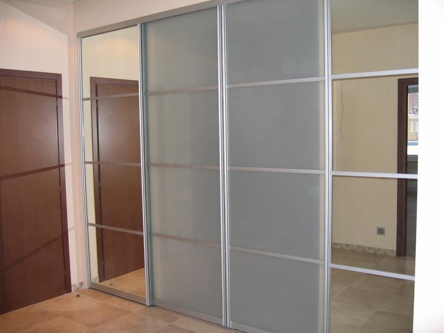 Раздвижные двери 03 с зеркалом