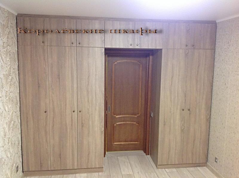Шкаф распашной ШкР-150 вокруг двери с антресолями