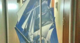 Встроенный шкаф купе 011 с рисунком парусника на пленке
